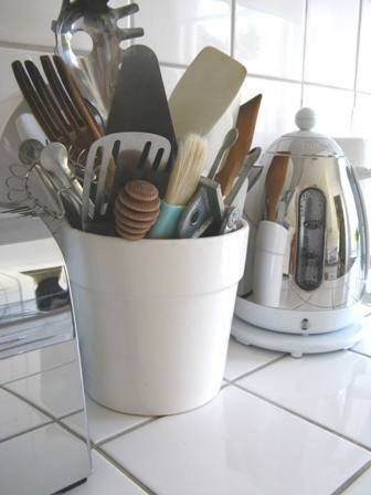 Chez larsson organizing my kitchen utensils 002web workwithnaturefo